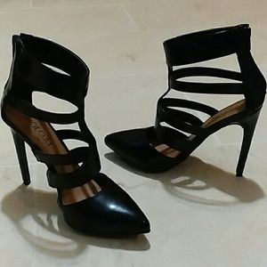 Like new! Shoe Cult by Nasty Gal Strappy heels